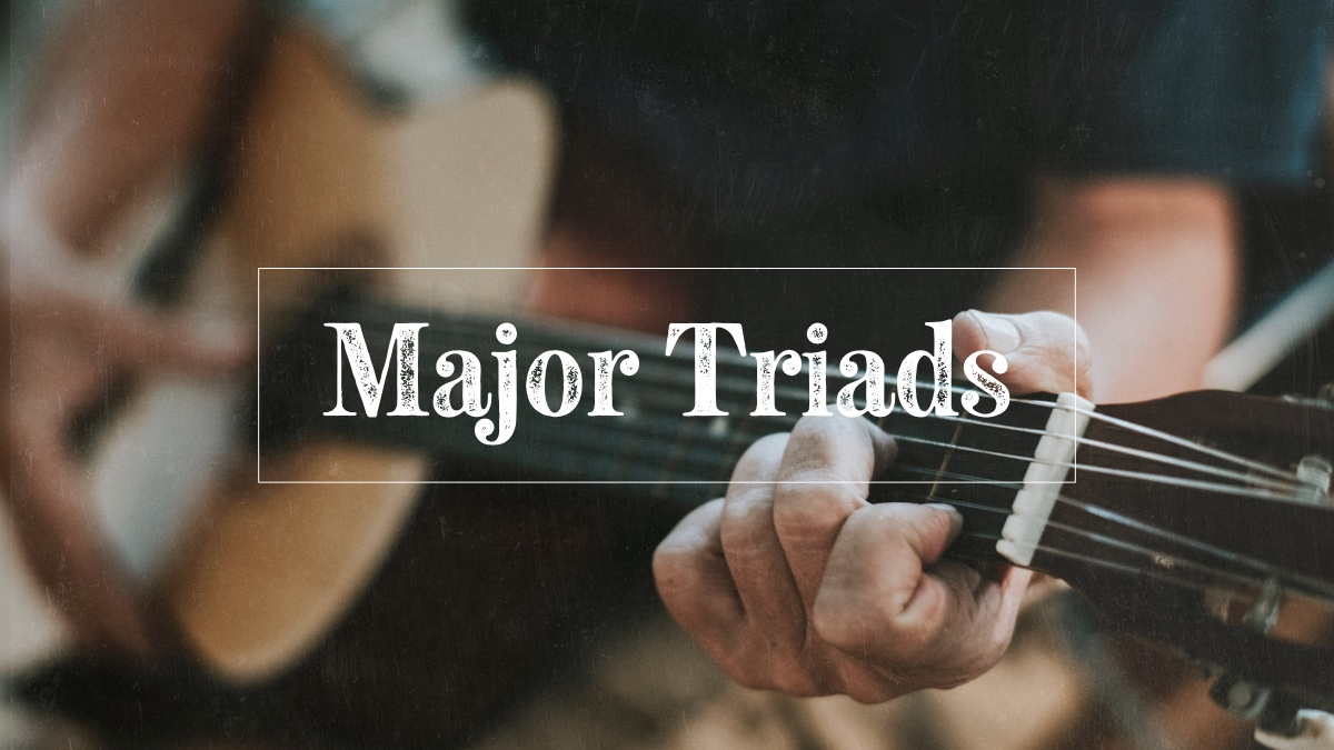 Learning major triads on guitar